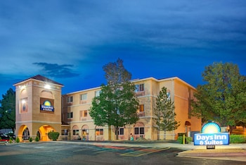 阿布奎基機場溫德姆戴斯套房飯店 Days Inn & Suites by Wyndham Airport Albuquerque