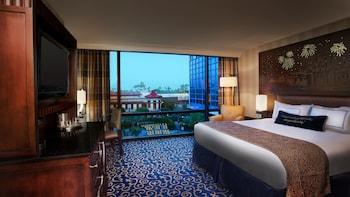 Room, Concierge Service, Pool View