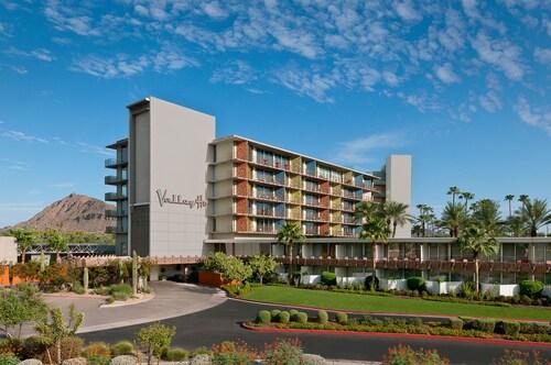 . Hotel Valley Ho