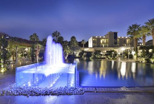 __{offers.Best_flights}__ Boutique Hotel Esplanade