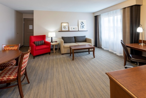 . Country Inn & Suites by Radisson, Fargo, ND