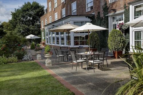 __{offers.Best_flights}__ Best Western Welwyn Garden City Homestead Court Hotel