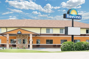 Days Inn by Wyndham York photo