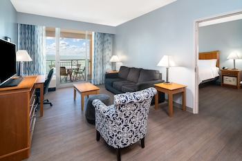 King Suite, Sofa Bed, Oceanfront with Parlor