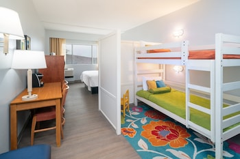 Kids Suite with 1 Queen Bed, Bunk Beds, Harborview, No Balcony