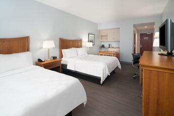 Standard 2 Queen Beds, Oceanfront