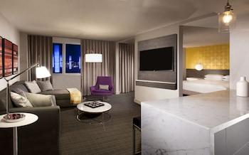 Regency, Suite