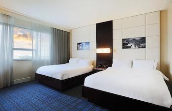 Deluxe Room, 2 Queen Beds, View (Bay View, Legendary)