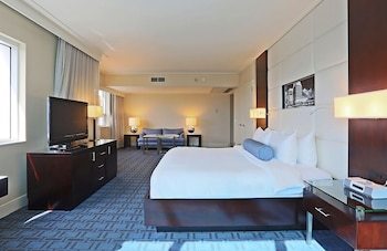 Suite, 1 King Bed, Bay View (Legendary, Miami)