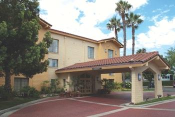 Hotel - La Quinta Inn by Wyndham San Diego Vista