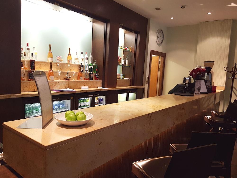 Sports Bar
