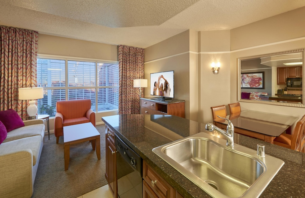 Suite : Suite, 1 Bedroom, Accessible (Mobility & Hearing, Roll-in Shower) 11 of 66