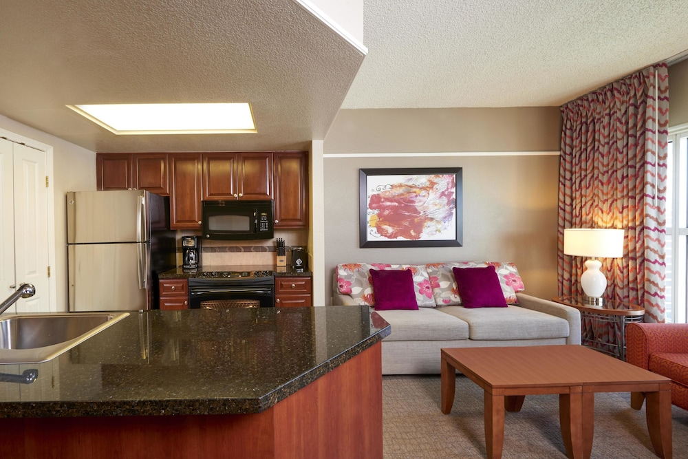 Suite : Suite, 1 Bedroom, Accessible (Mobility & Hearing, Roll-in Shower) 5 of 66