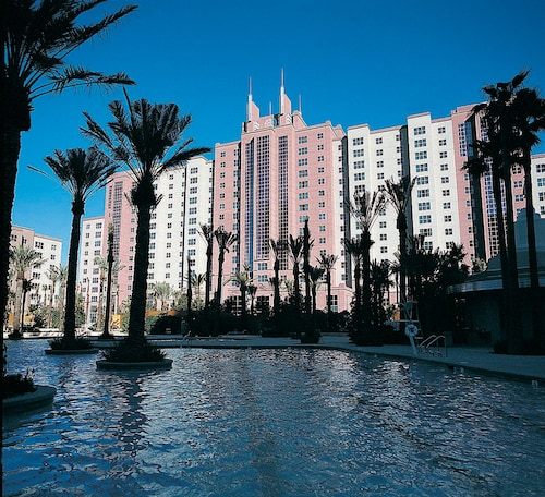 Hilton Grand Vacations at The Flamingo image 1