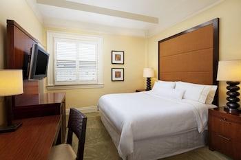 Room, 1 King Bed, City View (Historic Banyan)