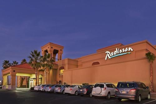 . Radisson Hotel El Paso Airport