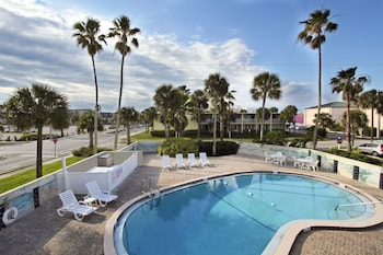 可可比奇卡納維爾港溫德姆戴斯飯店 Days Inn by Wyndham Cocoa Beach Port Canaveral