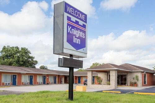. Knights Inn Arcadia
