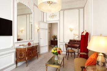 里賈納羅浮飯店