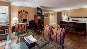 Presidential Suite, 1 King Bed, Non Smoking, Fireplace