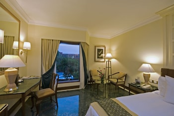 Room, 2 Twin Beds, Non Smoking, Garden View (Mughal Room)