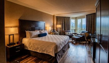 Grandview Room - Panoramic Mountain & Valley View - 1 King Bed