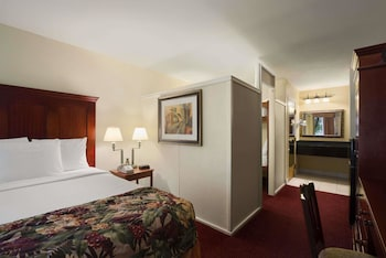 Guestroom at Baymont by Wyndham Celebration in Kissimmee