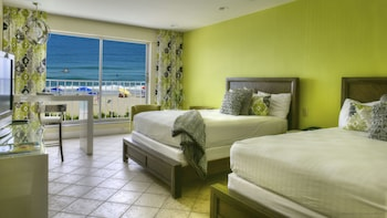 Standard Room, 2 Queen Beds, Oceanfront