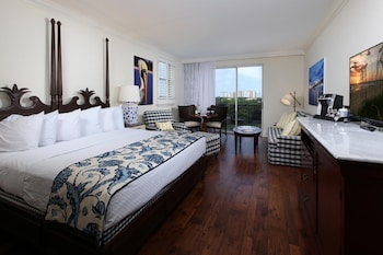 Deluxe Room, Balcony, Lake View