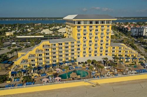 . The Shores Resort & Spa