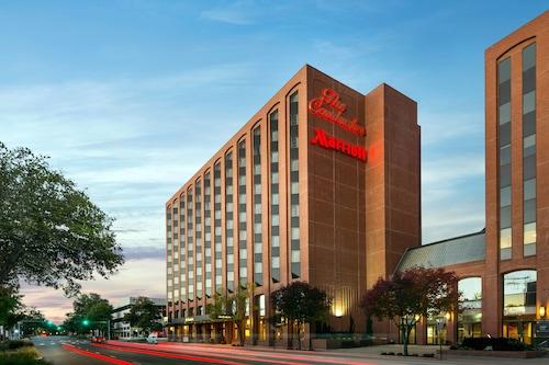 . The Lincoln Marriott Cornhusker Hotel