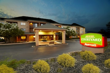 Hotel - Courtyard by Marriott State College