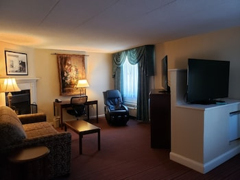 Standard Room, 2 Queen Beds, Non Smoking, Fireplace (Oversized Room)