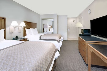 Room, 2 Double Beds, Accessible, Smoking (Mobility/Hearing, tub w/grab bars)
