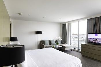 Suite, Balcony, Harbor View