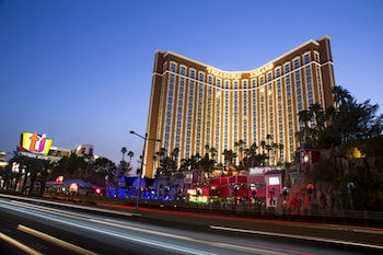 Street View at TI - Treasure Island Hotel and Casino in Las Vegas