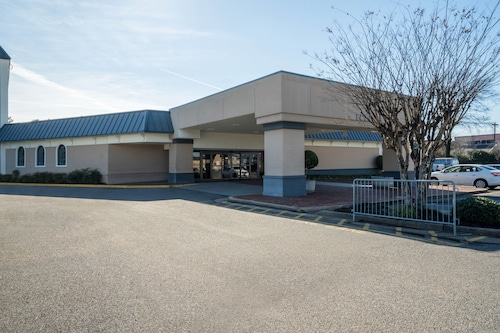 . Travelodge by Wyndham Memphis Airport/Graceland