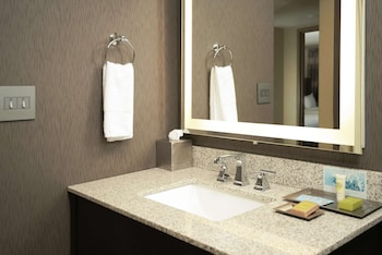 Junior Suite, 2 Queen Beds, Accessible, Bathtub (Mobility & Hearing)