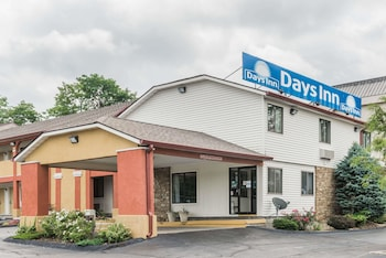 Hotel - Days Inn by Wyndham Bloomington