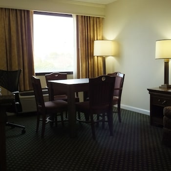 Hotel - Crowne Plaza Hotel Hickory