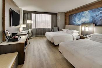 Room, 2 Queen Beds, Non Smoking, Courtyard View