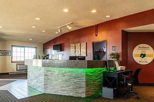 . Bearcat Inn and Suites