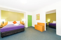 all seasons Geraldton (soon ibis Styles)