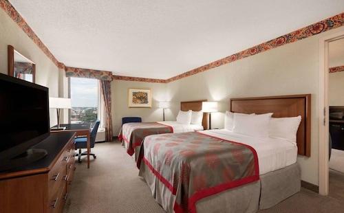 . Hotel Ava
