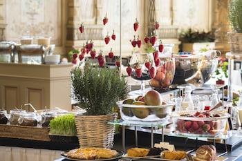 VICTORIA-JUNGFRAU Grand Hotel & Spa - Breakfast Area  - #0