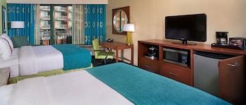 Guestroom at Holiday Inn & Suites Virginia Beach North Beach in Virginia Beach