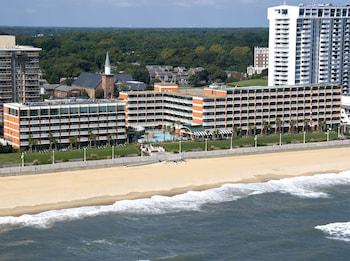 Beach/Ocean View at Holiday Inn & Suites Virginia Beach North Beach in Virginia Beach