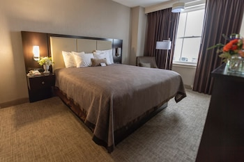 Room, 1 King Bed (Historic Tower)