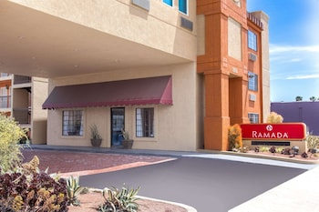 Hotel - Ramada by Wyndham Culver City