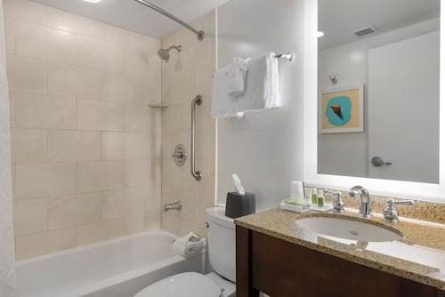 Holiday Inn Orlando - Disney Springs® Area, Orange